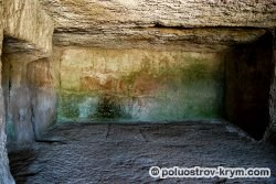 Пещеры Чауш-Кобасы. Чуфут-Кале. Крым. Автор фото Ольга Иутина