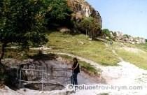 Осадный колодец Тик-Кую близ пещерного города Чуфут-Кале