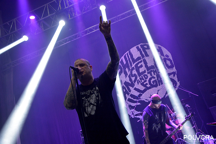 Phil-Anselmo-and-the-illegals
