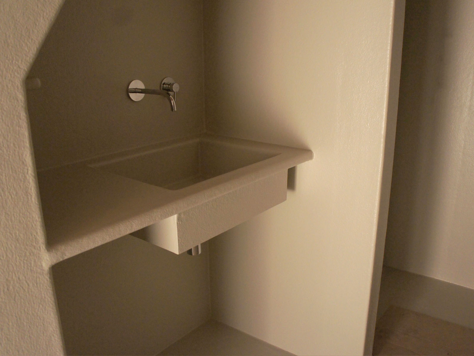 Kleine Badkamer Amsterdam : Luxe badkamer in het hart van amsterdam u polyester sanitair