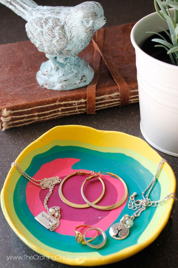 Fun-DIY-Jewelry-Dish