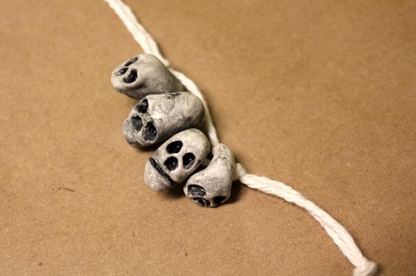 skulls_strung_up