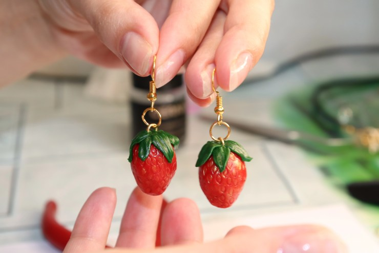 Polymer clay earrings: Strawberry