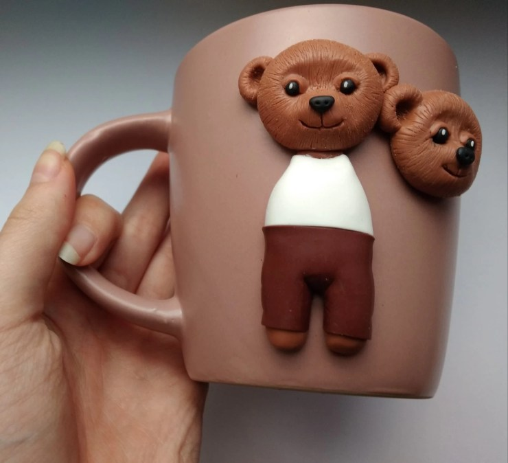 9 Polymer clay cup decor: A couple of bears
