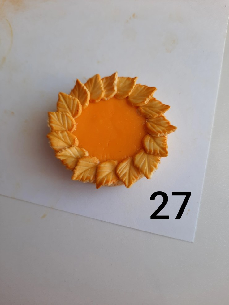 Photo 27. Polymer clay cake tutorial. Decorating the cake