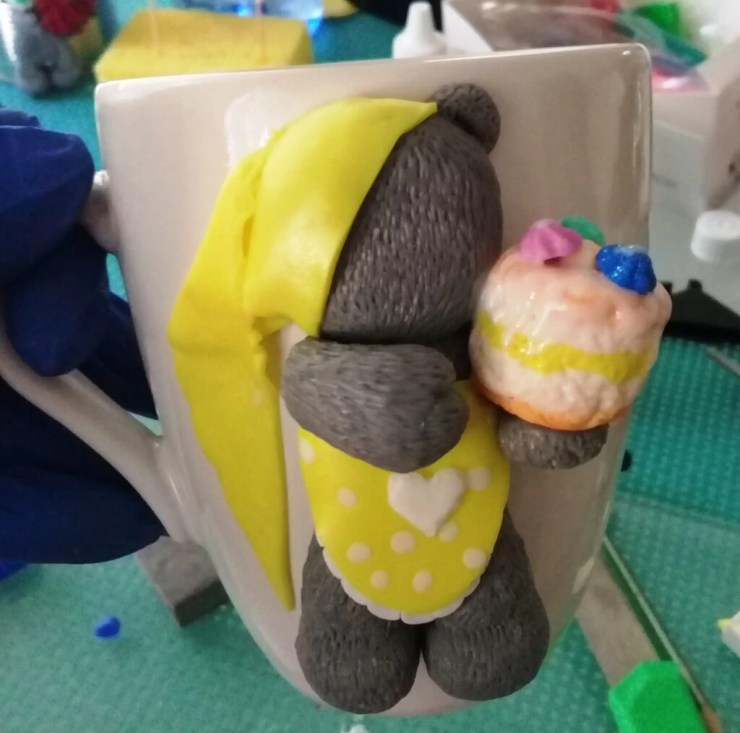2 decorate cup with a Teddy bear