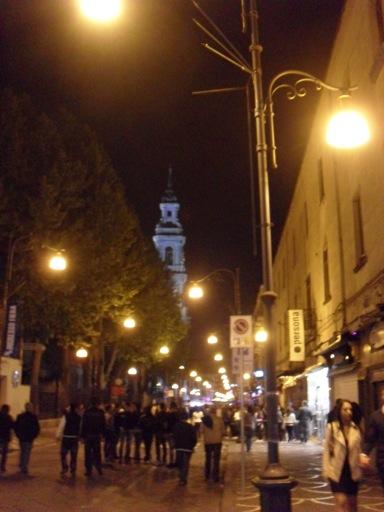 Pompeje nocą