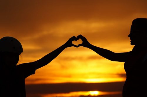 Miłość, zachód słońca, serce