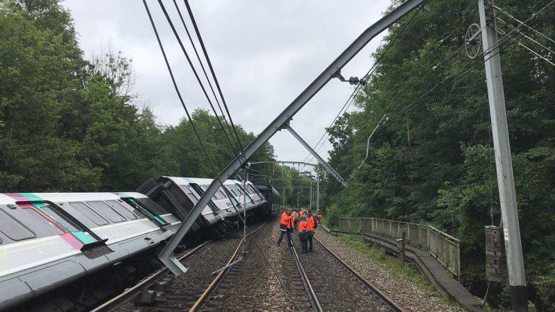 🇫🇷 Courcelles-sur-Yvette (91) : 7 blessés légers après le déraillement d'un RER B