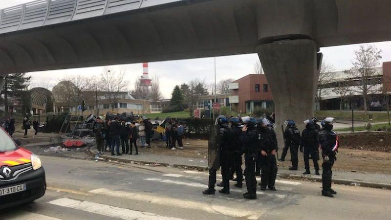 🇫🇷 Rennes (35) : Trois pompiers agressés à proximité de deux lycées bloqués