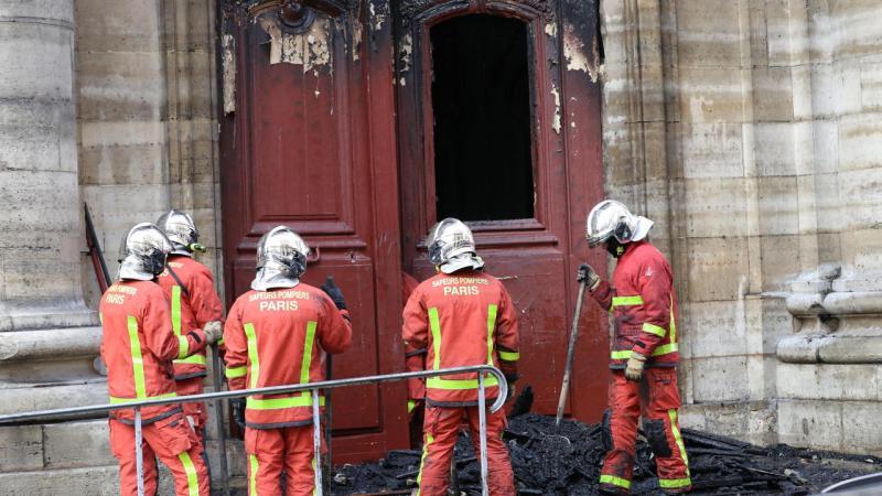 ?? Paris (75) : Incendie volontaire dans l'église Saint-Sulpice