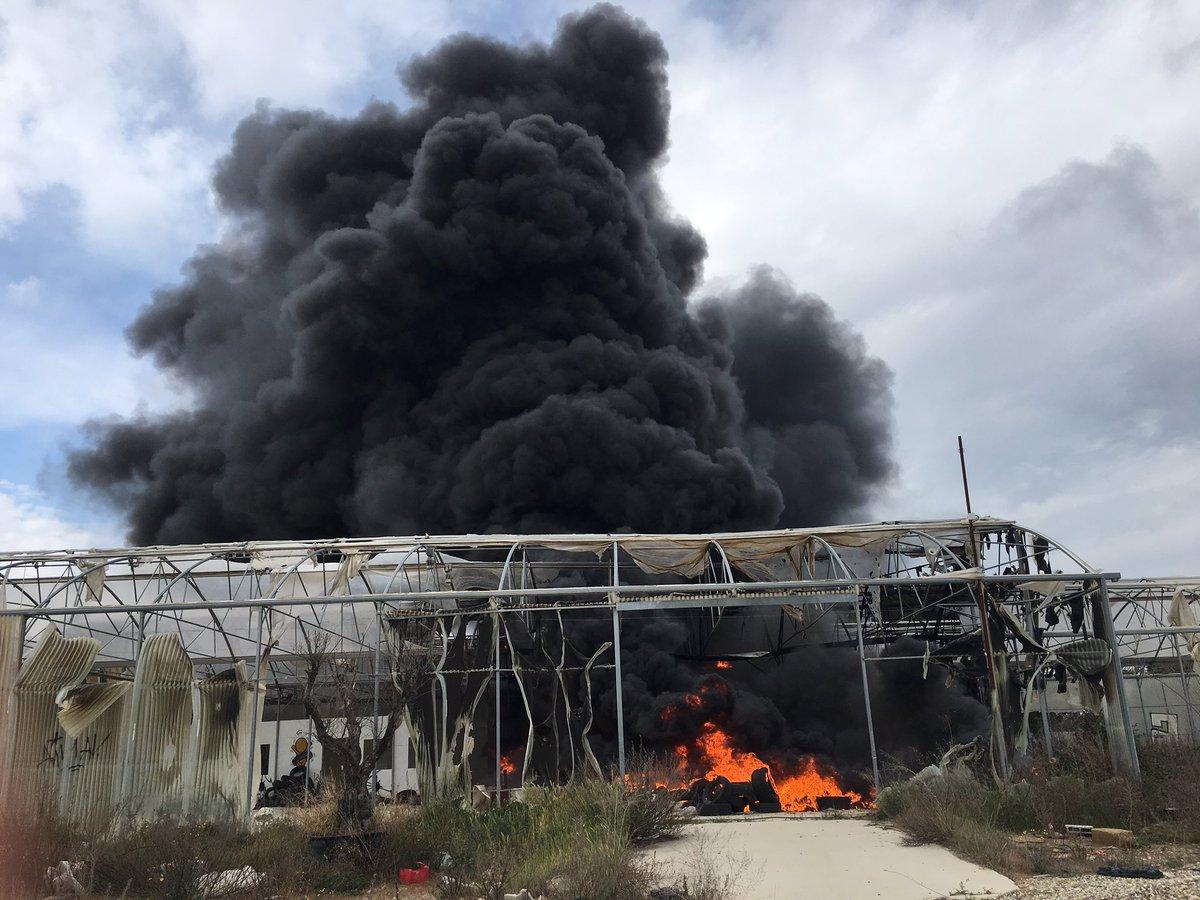 ?? Montpellier (34) : Un stockage de pneus en feu