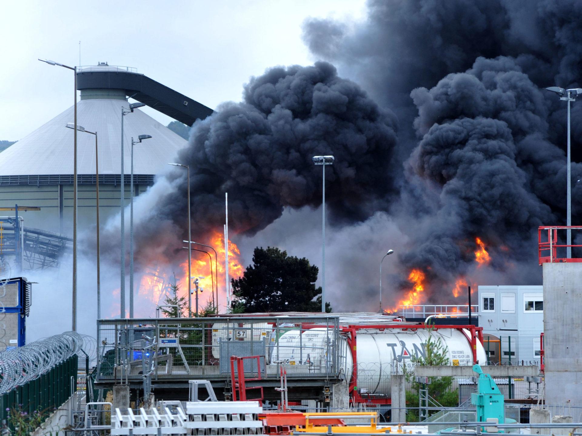 ?? Rouen (76) : L'usine Lubrizol classée Seveso prend feu