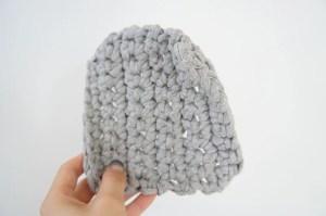 埼玉県所沢市のかぎ針編み教室pomponnerで使うzpagettiレッスンの編み地10mmを持った時