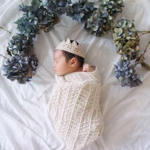 埼玉県所沢市の編み物教室pomponnerがかぎ針編みで編んだ新生児用のおくるみの画像