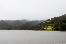 Lake Waimanu in the mist. © Violet Acevedo