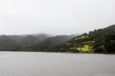 Lake Waimanu in the mist. © Violet Acevedo
