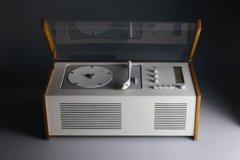 SK5 Record Player and Radio