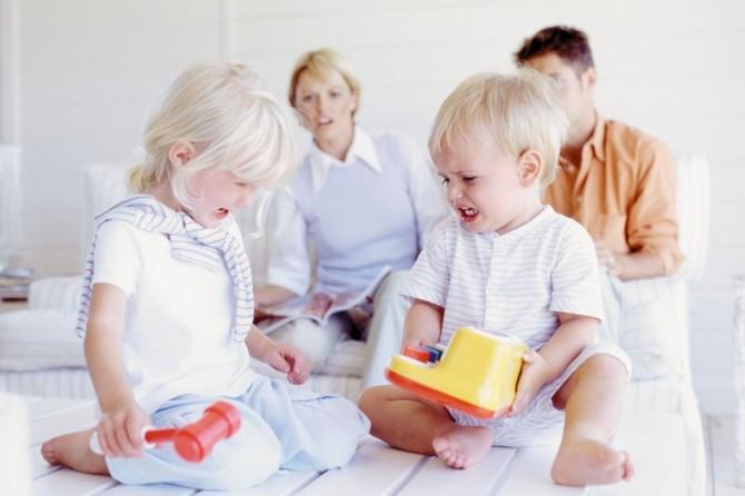 Кризис 3 лет у ребёнка: как вести себя родителям в «царстве упрямства и капризов»? - 5
