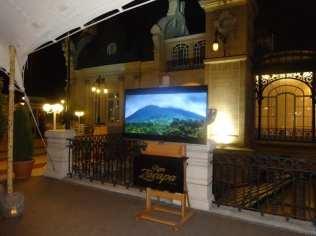 Zacapa Room   Un viaje sensorial al universo del ron Zacapa   Hasta 02-10-2014   Instalación terraza del Casino de Madrid