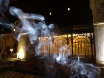 Zacapa Room   Un viaje sensorial al universo del ron Zacapa   Hasta 02-10-2014   Vidriera terraza del Casino de Madrid