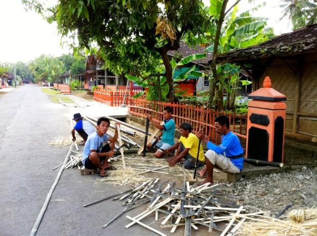 Desa Ponjong Lomba Desa Propinsi 2011-0000