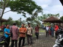 Mas Wakhid, Mas Anang dan Mas Budiman menyambut Kunjungan Desa Kebonbimo