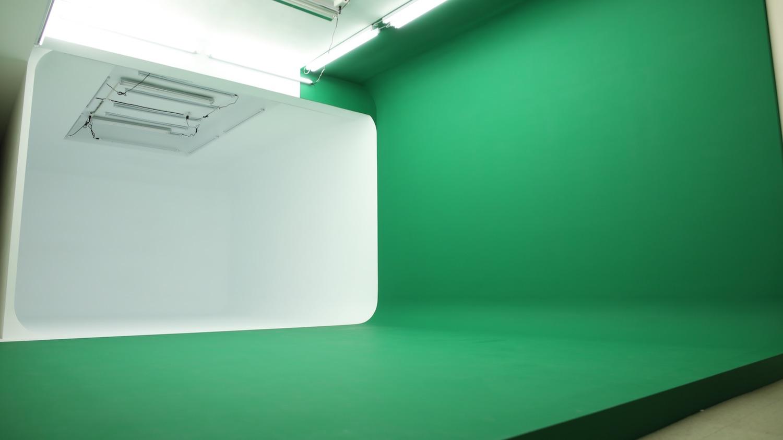 橙穎傳播/ 白色無縫牆、虛擬綠棚