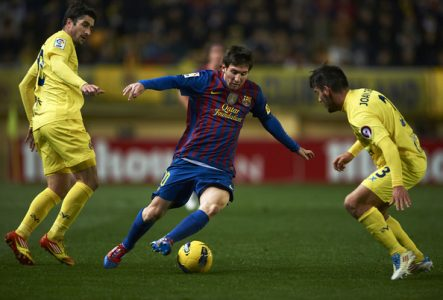Aksi Lionel Messi Melewati Lawan