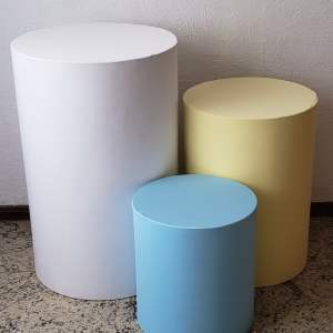 Trio mesas cilindro com capa cores Candy