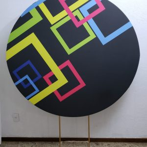 Suporte Redondo com Tecido Sublimado Neon Geométrico