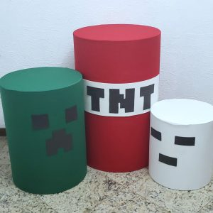 Trio mesas cilindro com capa cores Tema Minecraft
