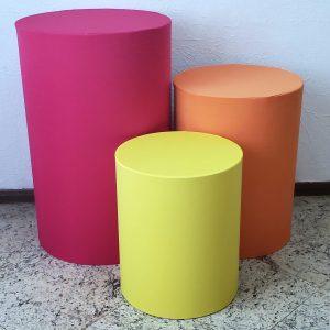 Trio mesas cilindro com capa cores Pink/Laranja/Amarelo