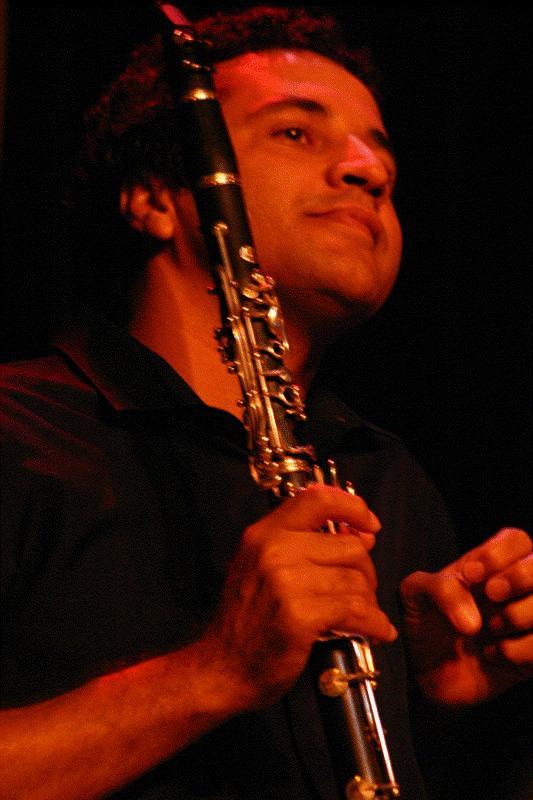 Autoridade no assunto: Juvino Alves é doutor em música com concentração em clarineta pela UFBA. Foto: Clarice Cajueiro