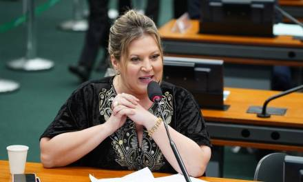 Joice Hasselmann indenizará ex-senadora por ofensas durante cobertura do impeachment de Dilma Rousseff