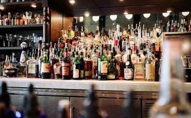 Fux restabelece decreto que restringe horário para venda de bebidas alcoólicas em restaurantes de SP