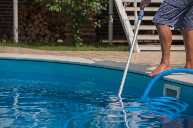 Swimming Pool Services 2