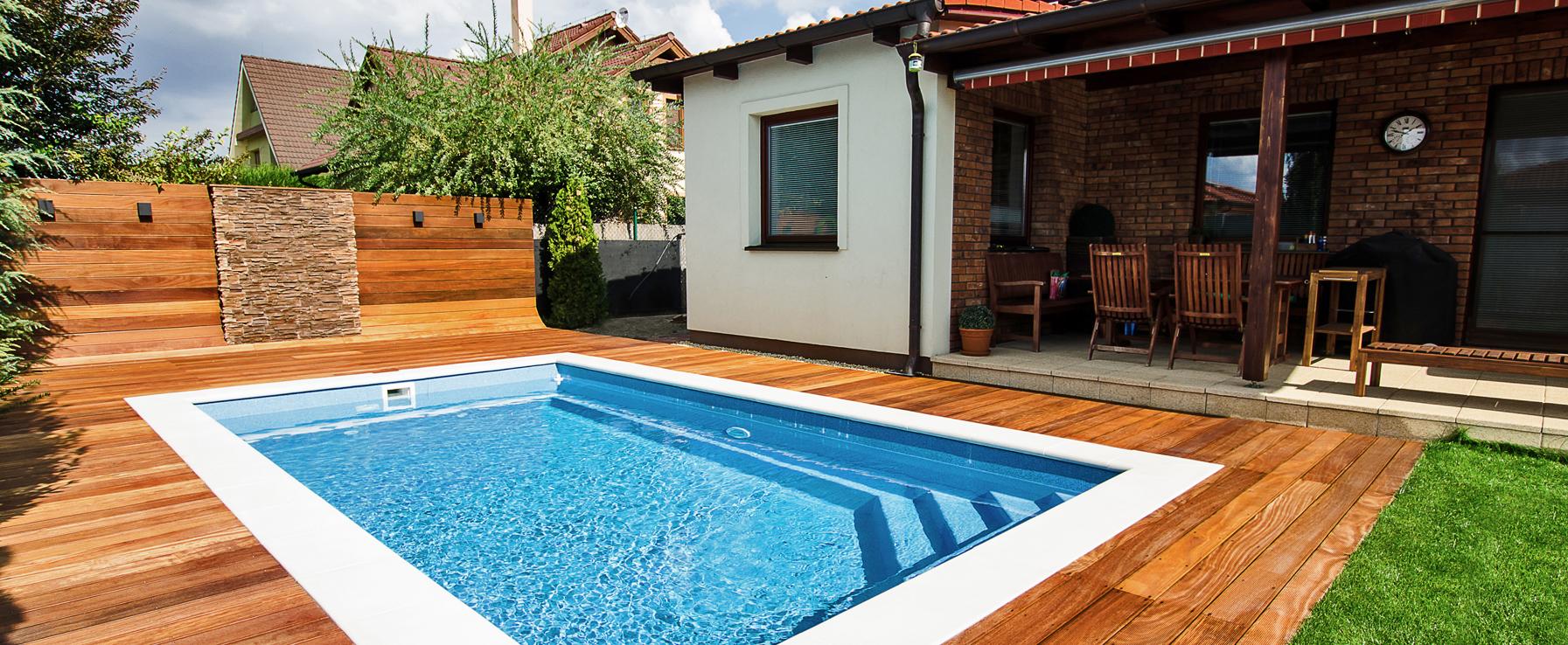 Portoliu galerie piscine realizate pool control oradea for Constructii piscine romania