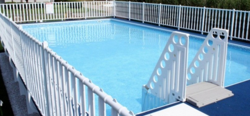Admiral's Walk Pool