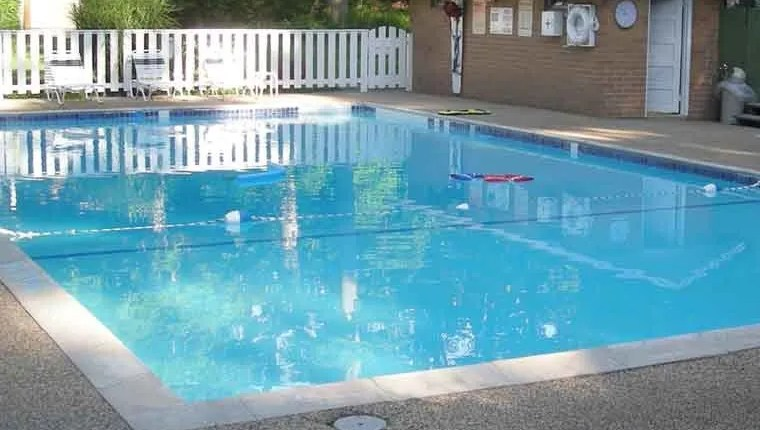 Pool Size – Standard Swimming Pool Sizes – Cost & Advice