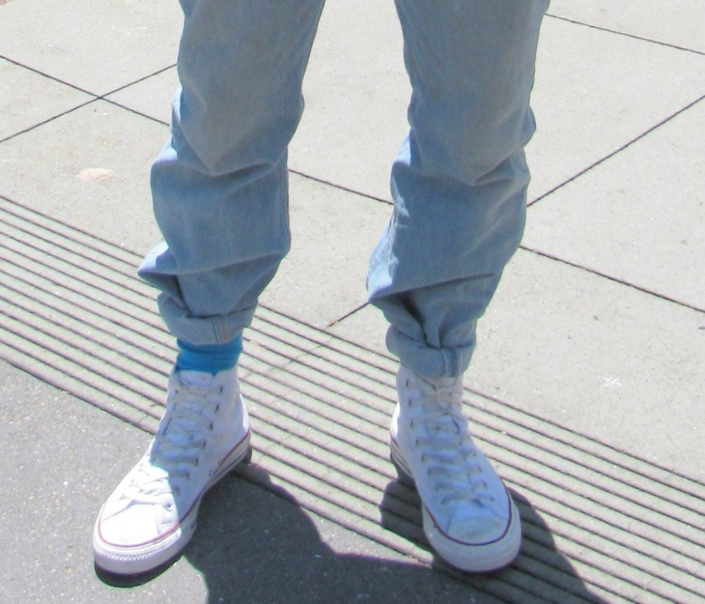 Acid Washed Jeans (rolled tight at the bottom, of course!)