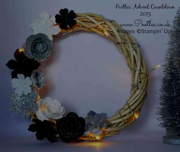 Pootles Advent Countdown #3 Christmas Wreath Tutorial Dark