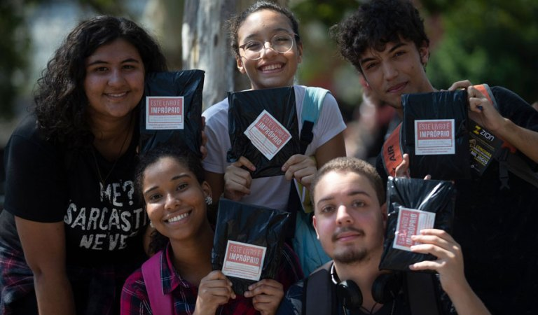 Literatura LGBT jovem e adulta no Brasil