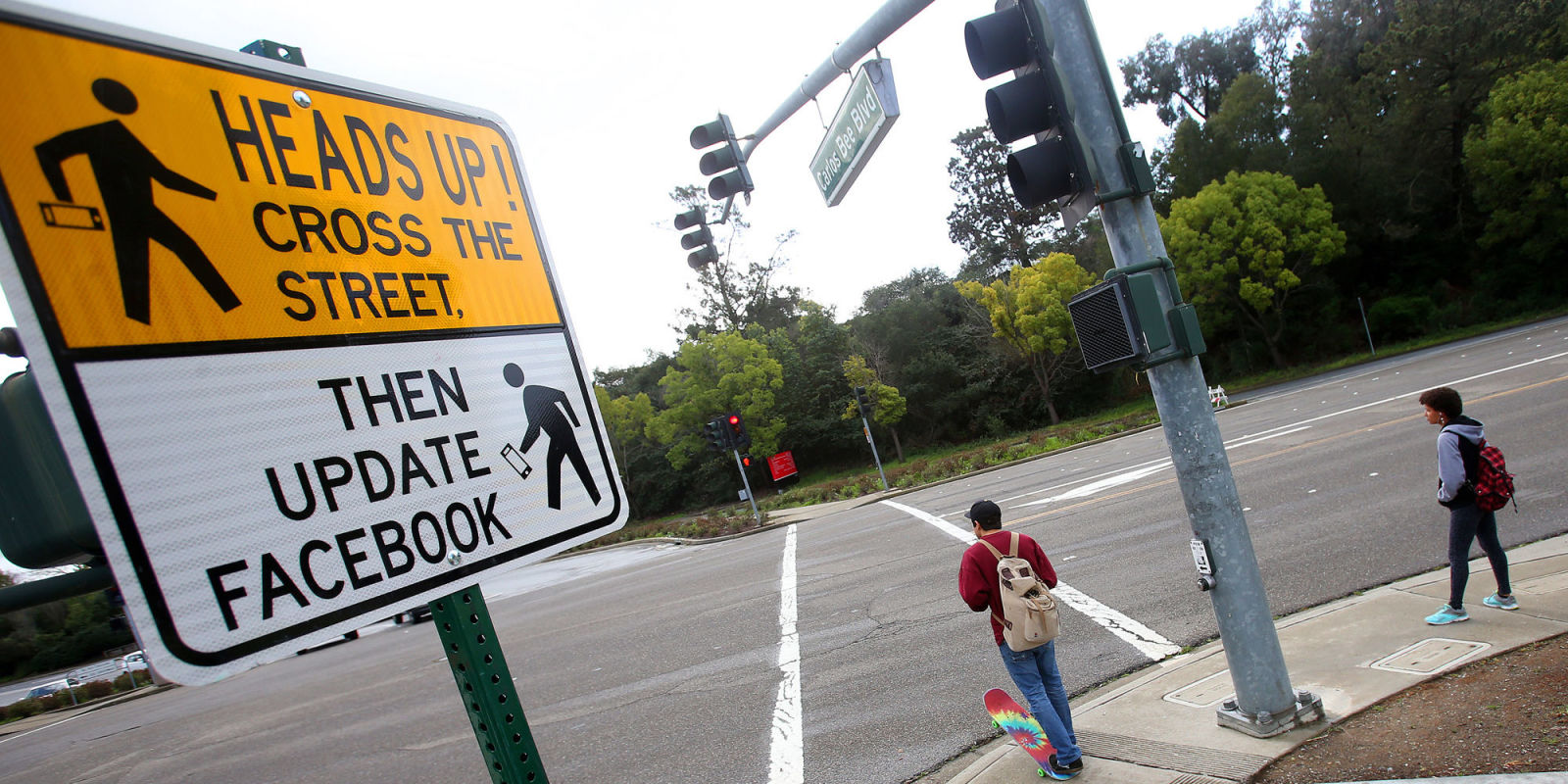 California Street Signs Tell Pedestrians To Cross The