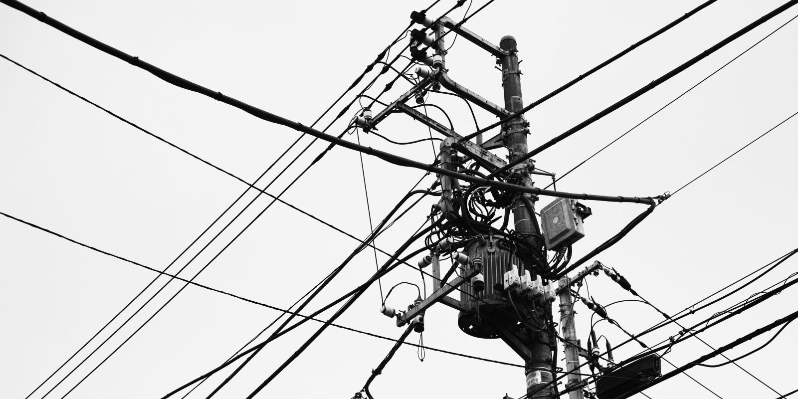 Tokyo S 7 Billion Quest To Get Rid Of Utility Poles Asap
