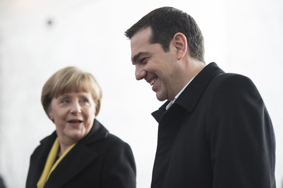 Επικριτικό απέναντι στην Άνγκελα Μέρκελ, συγκρατημένα αισιόδοξο απέναντι στη νέα ελληνική κυβέρνηση, το Blockupy πιστεύει πως τη λύση θα φέρουν τα λαϊκά κινήματα και οι διεργασίες που θα προκύψουν μέσα από τους κοινωνικούς αγώνες.