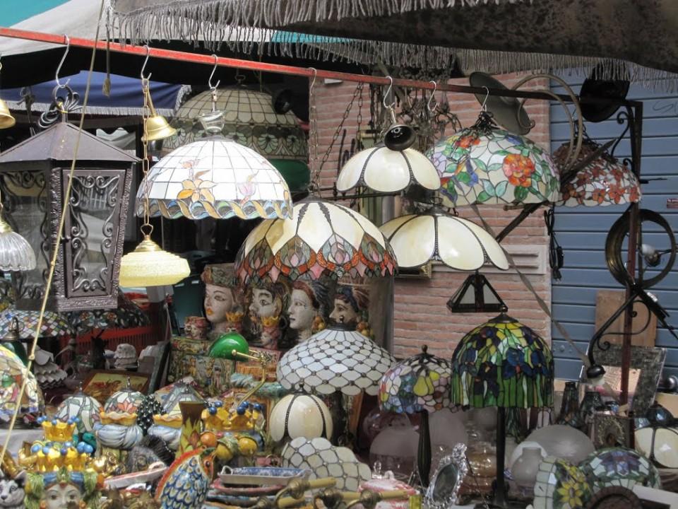 Vintage φωτιστικά στο παζάρι της Porta Portese