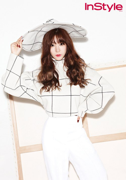 Tiffany (Girls' Generation) - Instyle (4)