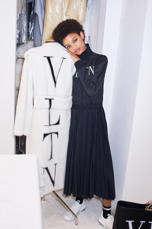 重新改寫過往經典元素 Valentino 2018 早秋系列登場