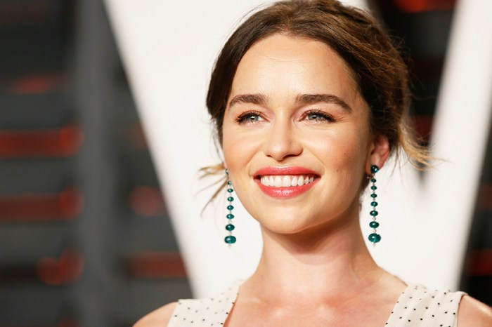 Shop Her Style:Emilia Clarke 新 Look 證明這個鞋款踏入 2018 還未過季!